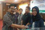 Geulis lulusan terbaik Sekolah Jurnalistik PWI Jateng