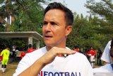 Legenda Chelsea bantah anggapan pesepak bola harus  tinggi