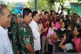 RALAT - Menkopolhukam melepas 107 pengungsi kembali ke Wamena