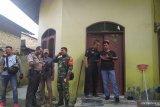 Polisi periksa rumah keluarga pelaku penyerangan Menko Polhukam Wiranto