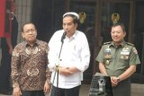 Kata Presiden Jokowi, kondisi Wiranto mulai stabil