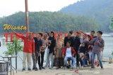 Wisatawan berkunjung ke Dermaga Tepian Mahligai Kampar capai 3.000 orang/hari