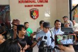Ninoy Karundeng ancam laporkan pengurus Masjid Al Falaah ke polisi