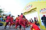 Gubernur Sulsel  lepas peserta karnaval Festival Pesona Lokal