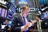 Wall Street ditutup lebih tinggi di tengah data sentimen konsumen terbaru