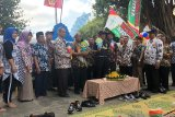 Jaka dan Lisa maskot budaya bersih Malioboro Yogyakarta