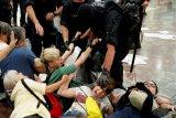 Spanyol minta Belgia menahan eks pemimpin Catalunya