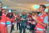 Bupati Lutim semangati relawan PMI Di Pelabuhan Makassar