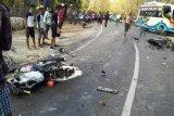 Tiga orang meninggal dan empat luka-luka akibat kecelakaan lalulintas di Kupang