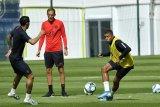 Ditaklukkan Dortmund, bos PSG pertahankan strategi bermainnya