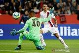 PSG menang 4-1 melawan sembilan pemain Nice