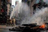 Gedung permukiman di Hong Kong terbakar, tujuh tewas