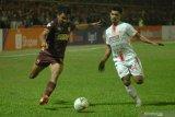 Pemain PSM Makassar Asnawi Mangkualam sempat tolak jadi bek kanan