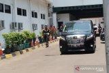 Wiranto bersama istri tinggalkan  rumah sakit