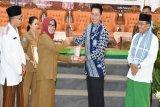 Nadalsyah dinobatkan sebagai tokoh ekonomi syariah Kalteng