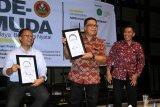 Sekprov Sulawesi Barat hadiri peluncuran buku Aspek Hukum Dalam Ekonomi