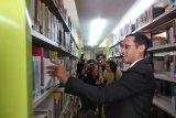 Nadiem Makarim laksanakan Shalat Jumat perdana di Kemendikbud