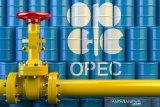 Arab Saudi-Rusia sepakat bersama produsen minyak lain pangkas produksi