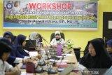 Poltekkes Kendari menggelar workshop manajemen riset dan publikasi ilmiah