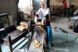 Perajin kerupuk udang di Kulon Progo berupaya meningkatkan produksi (VIDEO)