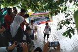 Nasrul Abit lepas 15 ribu bibit ikan di Batang Sumpur