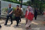 Menteri BUMD jalan kaki ke kantor Anies bahas integrasi transportasi