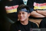 Rizky Febian meluncur ke Bandung antarkan sang ibunda ke peristirahatan terakhir