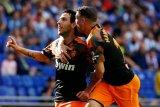 Valencia taklukkan Espanyol 2-1