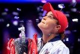 Petenis Barty tutup musim cemerlangnya dengan juara di Shenzhen