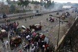 Rugi miliaran dolar, PM Irak Adel Abdul Mahdi desak aksi protes dihentikan