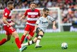 Valencia jegal ambisi Granada naik ke puncak dengan skor 2-0