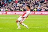 Liga Belanda -- Ajax kokoh di puncak, enam besar tak berubah