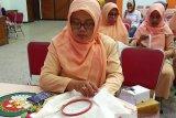 Dharma Wanita Kota Magelang ikuti pelatihan menyulam