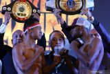Menunggu dua petinju andalan Indonesia kejar gelar juara dunia di Batu