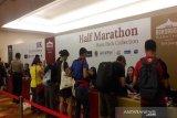 Peserta Borobudur Marathon  disarankan banyak minum karena cuaca panas