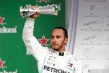 Hamilton kehilangan podium karena tabrakan dengan Albon