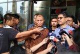 Tiga pimpinan KPK mengajukan