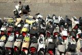 Penjualan sepeda motor diprediksi turun hingga 45 persen