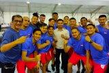 Petinju Manny Pacquiao ingin hadapi McGregor tahun depan