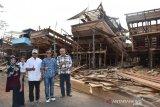 Pemkab Batang melirik pembuatan kapal kayu sebagai objek wisata edukasi internasional