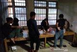 Polisi tahan tiga wanita muda beserta botol miras di Aceh