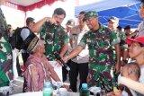Panglima TNI dan Kapolri meninjau bakti sosial di perbatasan RI-PNG