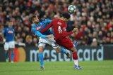 Napoli curi satu poin dari Anfield sambil tunda kelolosan Liverpool ke babak 16 besar