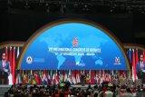 Presiden Jokowi singgung isi tas para notaris