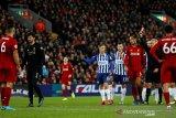 Kartu merah Alisson buat kemenangan Liverpool lebih spesial