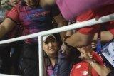Miyabi dukung Timnas U-22, fans rebutan selfi