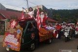 Parade Santa Claus songsong suka cita Natal di Manokwari