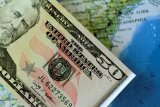 Dolar AS jatuh karena selera terhadap mata uang berisiko meningkat di tengah pandemi virus Corona