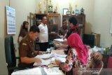 Kejari Kulon Progo geledah Balai Desa Banguncipto
