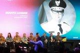 Gubernur : Sinergi, Transformasi dan Inovasi